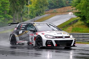Max Kruse Racing's Volkswagen Golf GTI TCR (photo 2)